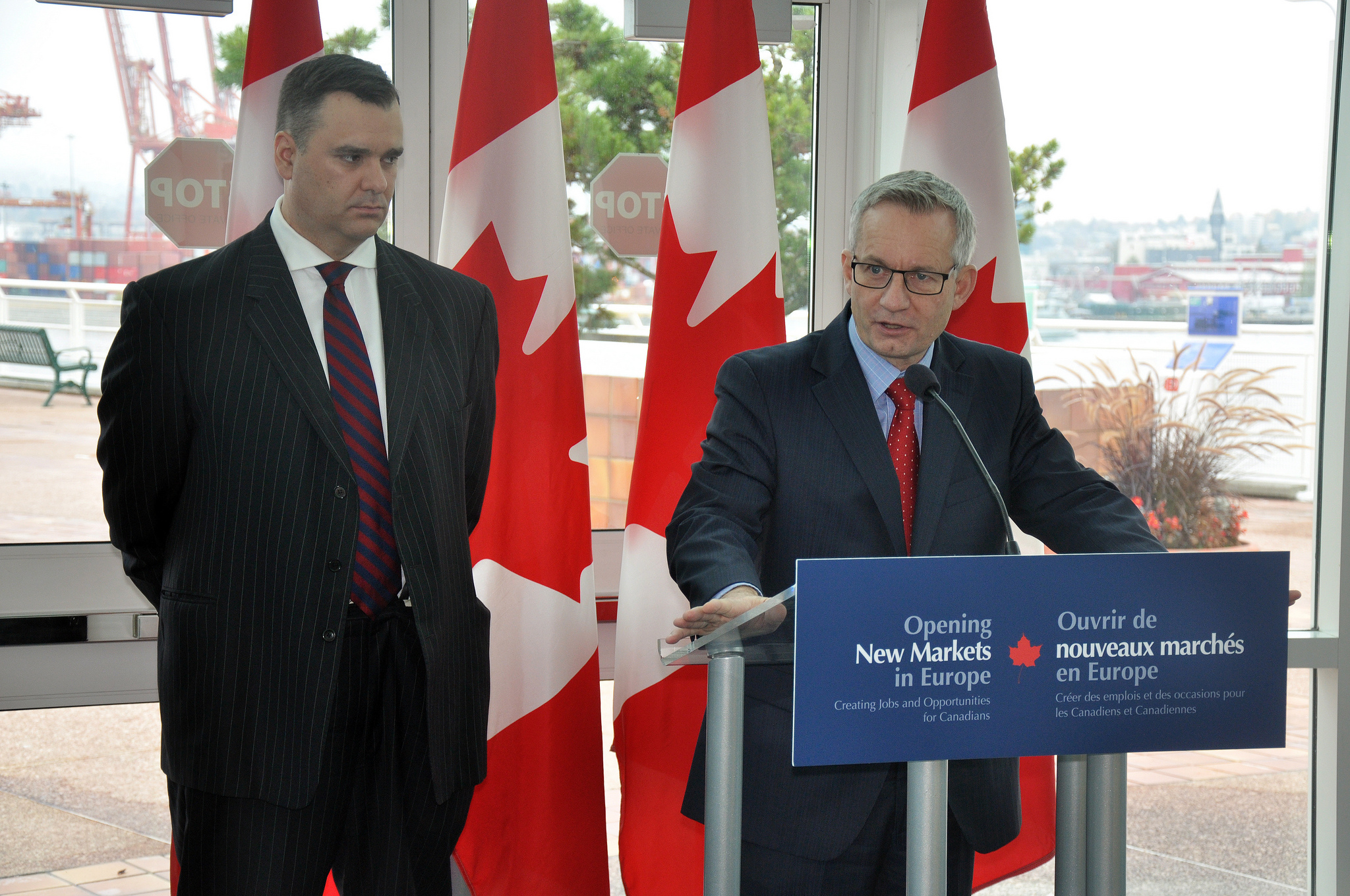 Harper Government Highlights Widespread Benefits to British Columbia of Historic Canada-EU Trade Agreement by DFATD | MAECD (CC BY-NC-ND 2.0) https://flic.kr/p/hnn8jC