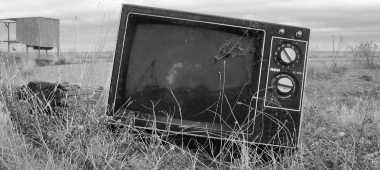 Forgotten television by the autowitch (CC BY-NC-SA 2.0) https://flic.kr/p/nUaS