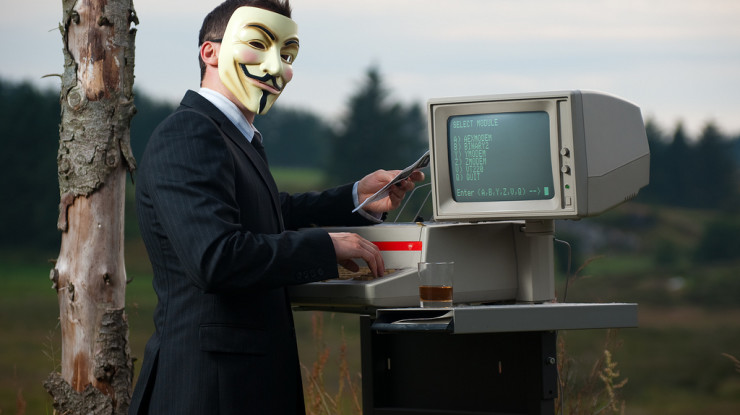 Anonymity; and the Internet. by Stian Eikeland (CC BY-NC-SA 2.0) https://flic.kr/p/6CCWXH