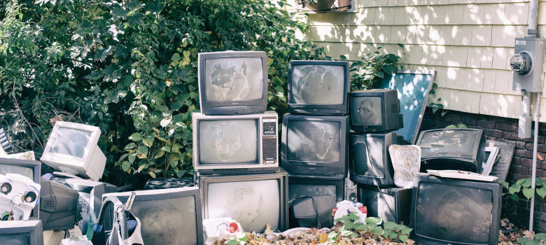 Kill Your Television by Jeremy Brooks (CC BY-NC 2.0) https://flic.kr/p/oqYVbH