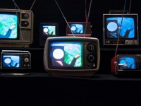 Benno's TVs by Stephen Coles (CC BY-NC-SA 2.0) https://flic.kr/p/4TFN3P