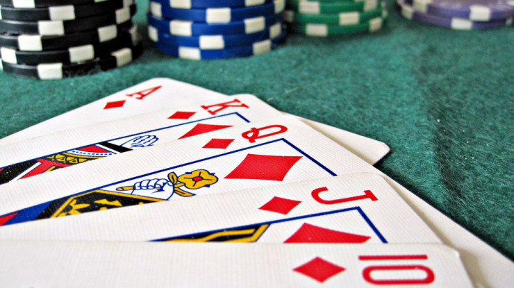 Poker by Images Money (CC BY 2.0) https://flic