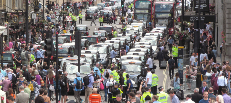 London anti-Uber taxi protest June 11 2014 035 by David Holt (CC BY-SA 2.0) https://flic.kr/p/nWtp1Z