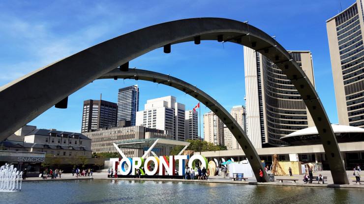 Toronto by Adrian Berg (CC BY-NC-ND 2.0) https://flic.kr/p/zcSxdx