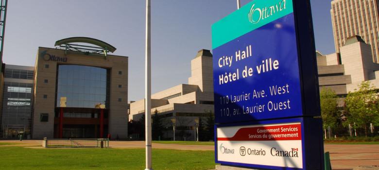 Ottawa City Hall by Lord of the Wings© (CC BY-SA 2.0) https://flic.kr/p/4PJ1QX