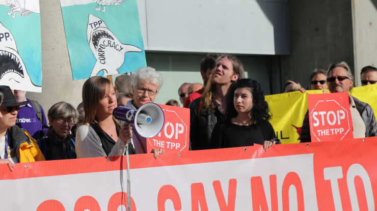 TPP Vancouver Rally by Leadnow Canada (CC BY-NC 2.0) https://flic.kr/p/GouGp4