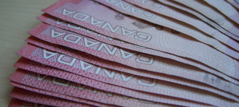 Canadian dollar by valakirka (CC BY-SA 2.0) https://flic.kr/p/6BuVwc