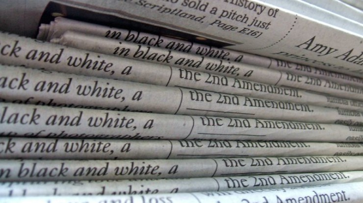 A stack of newspapers by Daniel R. Blume (CC BY-SA 2.0) https://flic.kr/p/48vQEC