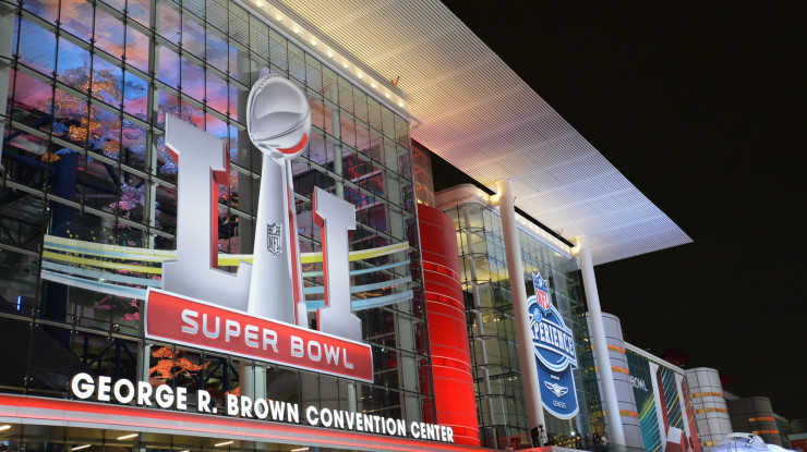 Super Bowl LIVE LI by Texas.713 (CC BY-NC 2.0) https://flic.kr/p/QwnUco