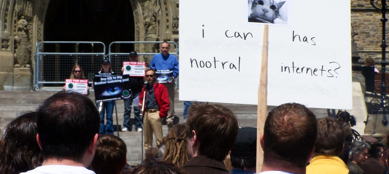 I can has nootral internets? by Jason Walton (CC BY 2.0) https://flic.kr/p/4RuVg8