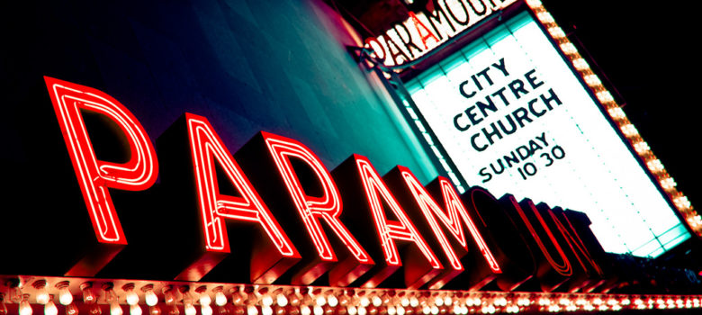 Paramount Marquee by Kurt Bauschardt (CC BY-SA 2.0) https://flic.kr/p/9fGCEV