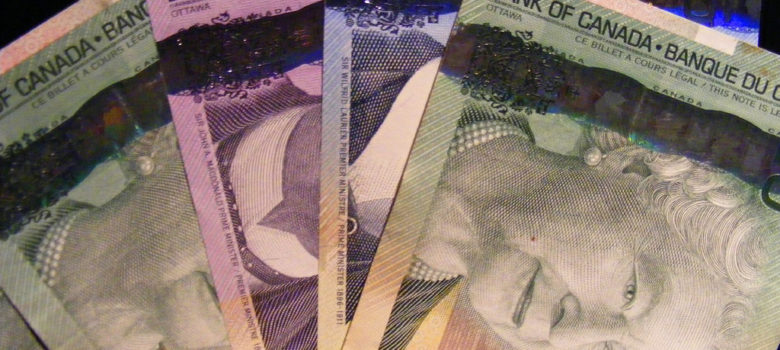 canadian money is pretty by Robert Anthony Provost (CC BY 2.0) https://flic.kr/p/3jV8UB