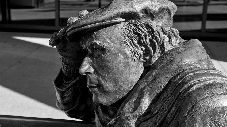 Glenn Gould, CBC, Toronto by Chris Beckett (CC BY-NC-ND 2.0) https://flic.kr/p/LoHFA1