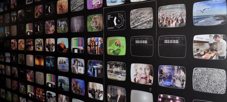 Ich glotz TV. by Christian (CC BY-NC-ND 2.0) https://flic.kr/p/aNQPMH
