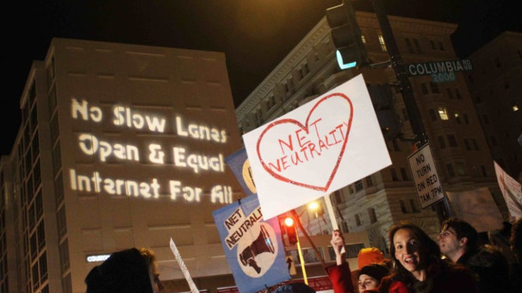 Protest: FCC Chairman's Dinner by Eleanor Goldfield/Art Killing Apathy (CC BY-NC-SA 2.0) https://flic.kr/p/HmwbH4