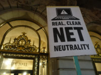 Net Neutrality rally at San Francisco City Hall #BayAreaSpeaks #NetNeutrality #protest by Steve Rhodes https://flic.kr/p/q9ZTkg (CC BY-NC-SA 2.0)