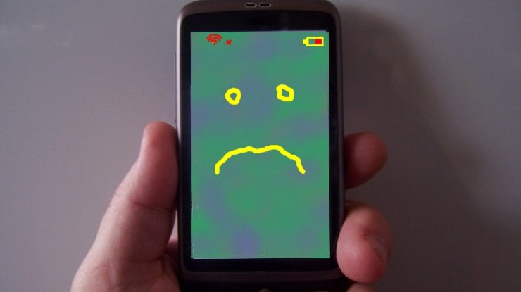 sad phone by Ron Bennetts (CC BY-ND 2.0) https://flic.kr/p/9pu8uT