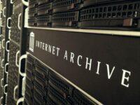 Internet Archive Servers by John Blyberg (CC BY 2.0) https://flic.kr/p/bFdeZA
